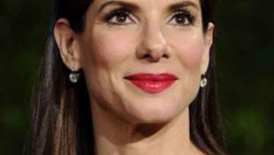 Válságban a színésznő házassága és még a díjait is vissza kell adja