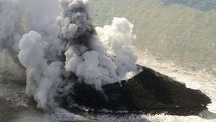 Vulkán tört ki a japán mini szigeten