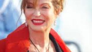 Holtan találták medencéjében a francia színésznőt