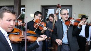 Táncházzenészek találkoznak Szentendrén