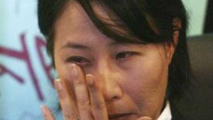 Internetre került meztelen fotói miatt lemondott a politikusnő