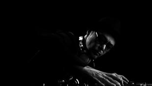 A hip-hop japán zenmestere az A38-on