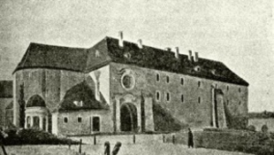 Váratlan felfedezés: anjou romok a kastélyparkban