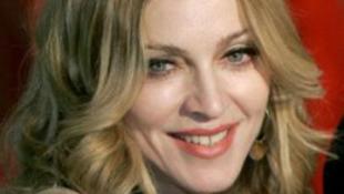 Eldőlt: a Kincsem Parkban lép fel Madonna