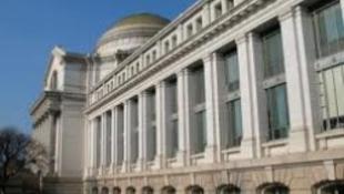 A Smithsonian egyre nagyobb botrányt kavar