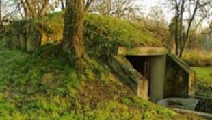 Kiásták a magyar bunkereket