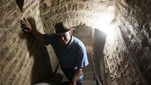 Titkos ősi alagút a semmibe
