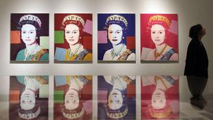 Andy Warhol beköltözik a brit királyi palotába