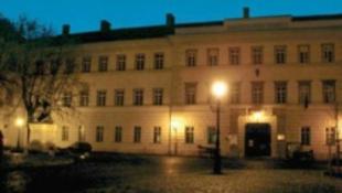 Rettenetes éjjeli baleset a Hadtörténeti Múzeumban