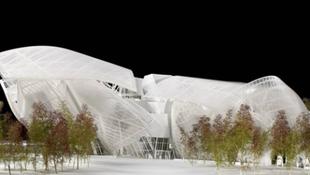 Jéghegy és üvegfelhő - lélegzetelállító építészet Párizs közepén
