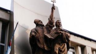 Szláv hittérítőket bántalmaztak