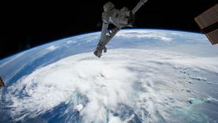 Az űrből fotózták le az Arthur hurrikánt