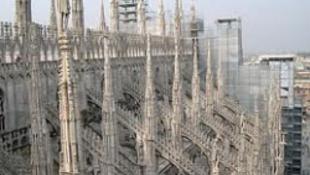 Nem tudnak angolul a milánói rendőrök