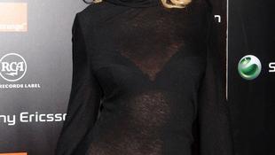 Christina Aguilera válogat és szexisebb, mint valaha