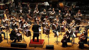 Európai koncertturnéra indulnak a Pannon Filharmonikusok