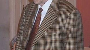 Elhunyt V. Szmiszlov