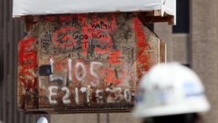 Visszakerült helyére a lerombolt WTC utolsó acélgerendája