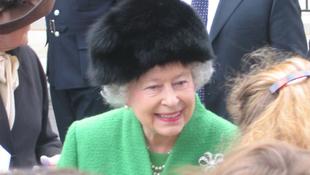 Erzsébet királynő twittelni kezdett