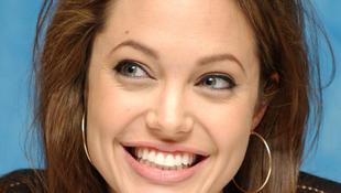 Rendezőként folytatja Angelina Jolie