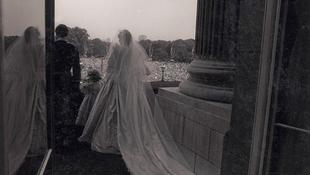 Soha nem látott fotók Diana esküvőjéről