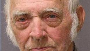 87 éves drogfutárt kaptak el