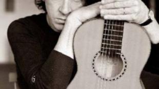 Szegeden ad koncertet a gitárzseni