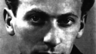 November 9-én lőtték le Radnótit