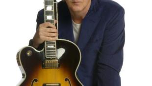 Paul McCartney alig látott a dühtől