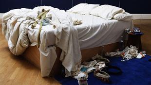Elkelt Tracey ágya