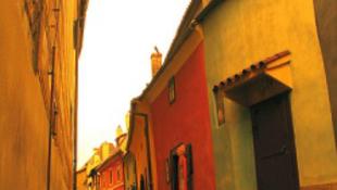 Veszélyben a prágai Arany utca