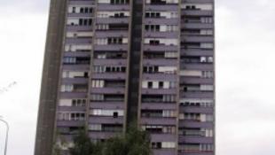Pánik vidéken: visszabontják a tízemeletes házakat?