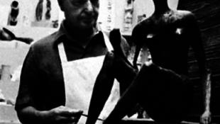 Szörnyű kínhalált halt Henry Moore nője