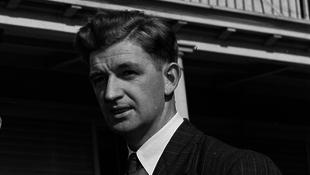 Elhunyt George Lowe