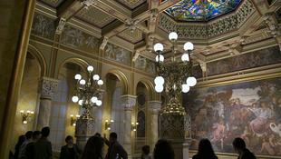 Megnyílnak a Duna-parti palota titkai