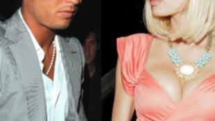 A sztárfocistának csak egy numera Paris Hilton?