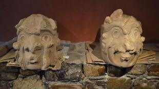 Kétezer éves kőfejeket találtak Peruban
