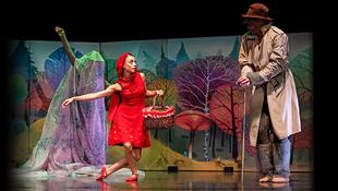 Egy farkassal táncoló kislány lenyűgöző története