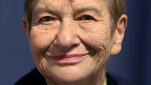 Meghalt Stefanie Zweig