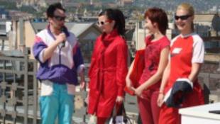 Piros bugyira gerjedtek Budapest belvárosában
