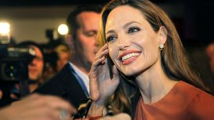A Coen-fivérekkel dolgozik együtt Angelina Jolie