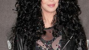 Tíz év után itt az új Cher-lemez