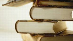 Letartóztatás egy 2700 forintos könyv miatt