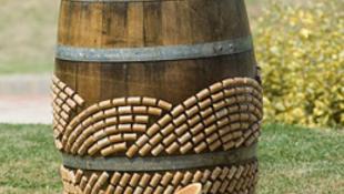 Pályázat: díszíts fel egy boroshordót!