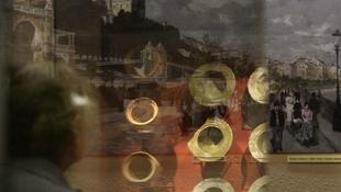 Kiállítják a Várkert Bazár kincseit