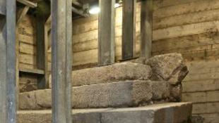 Rejtélyes kincset találtak az izraeli úton