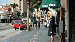 Világsztárok lepték el a forgalmas utcát