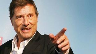 Fürdőköpenyben ünnepelték Udo Jürgenst