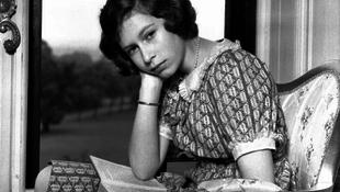 Elkeltek Erzsébet királynő lánykori képei