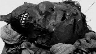 Brutális fegyverek kerültek elő Egyiptomban