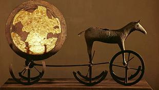 Ötezer évnyi bronzkincs egy helyen, ahogy még senki sem látta